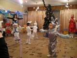 Танец маленьких зайчат)))