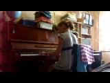 Соник играет на фортопяно 1